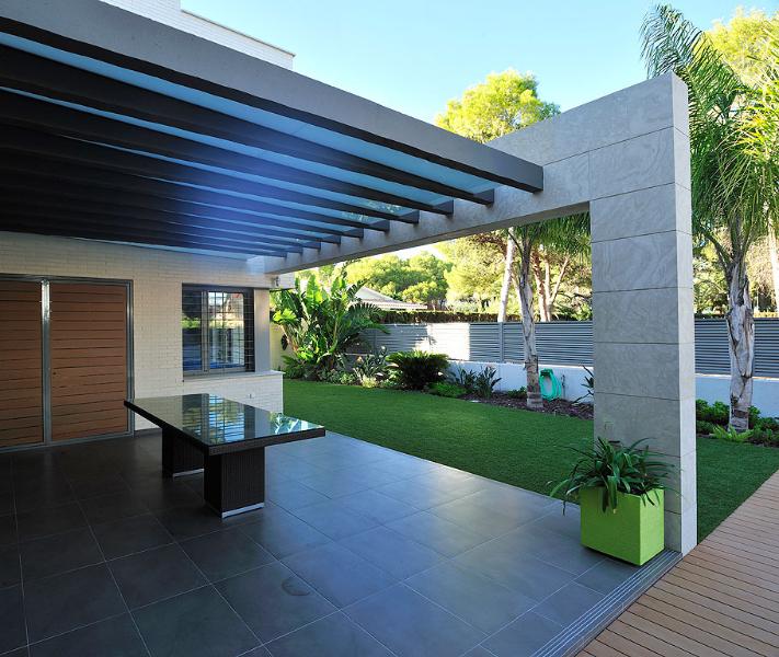 Casa diseños de casas interiores y exteriores : Construcciu00f3n de vivienda unifamiliar, su00f3tano y piscina en la zona de ...