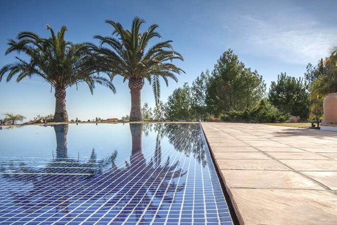 Piscinas infinitas for Rejilla piscina