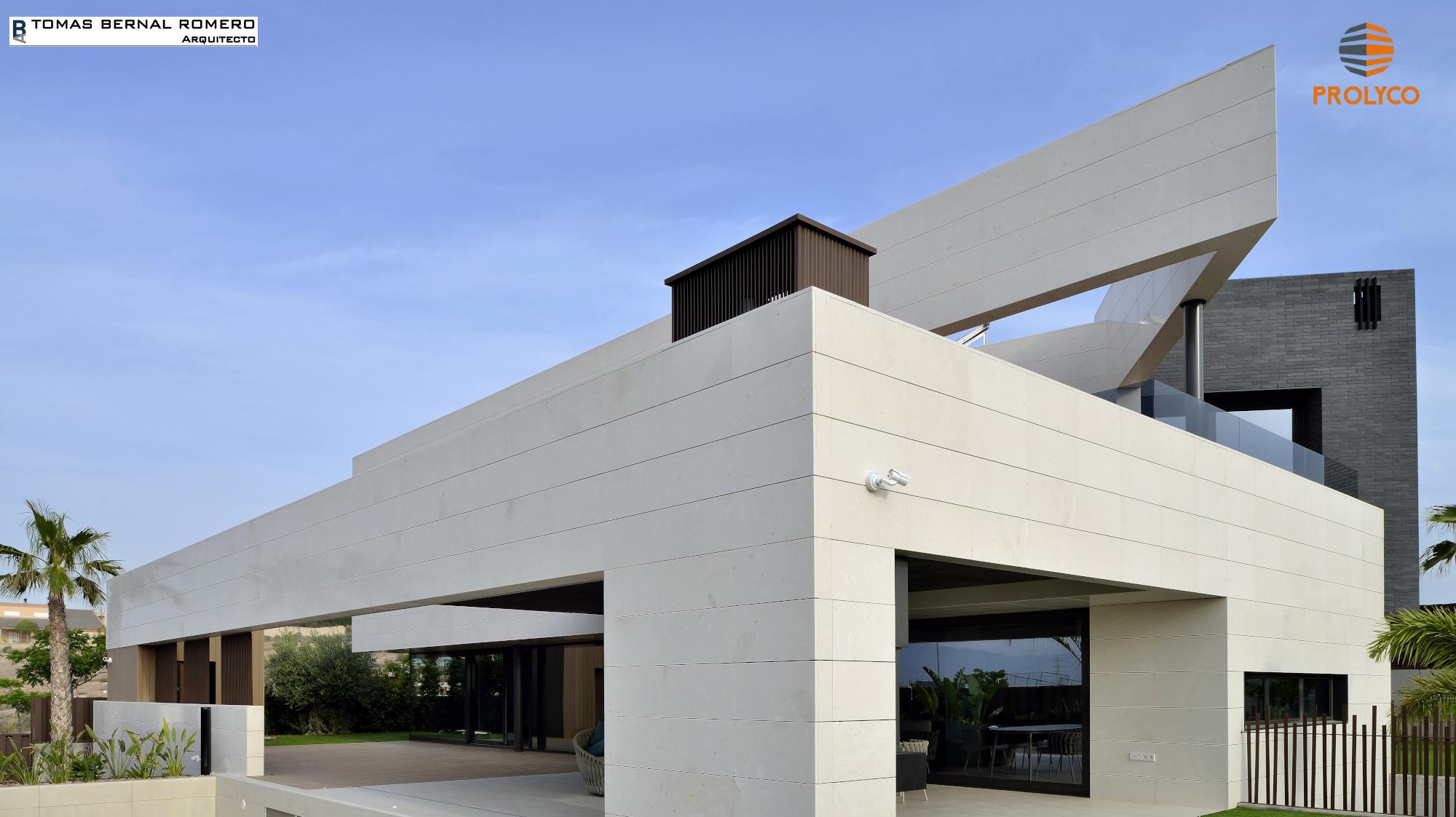 Rampa garaje vivienda unifamiliar interesting adosada en for Proyecto chalet moderno